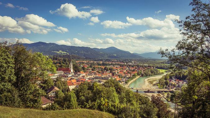 """""""Bad Tölz"""" - Blick vom Kalvarienberg über die Stadt an einem traumhaften Spätsommertag im September. Nach Tölz wollt ich schon länger mal, dieses Jahr hat es endlich geklappt."""