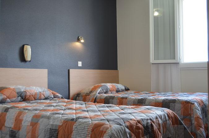 Chambre double à l'hôtel Montfort à Lourdes