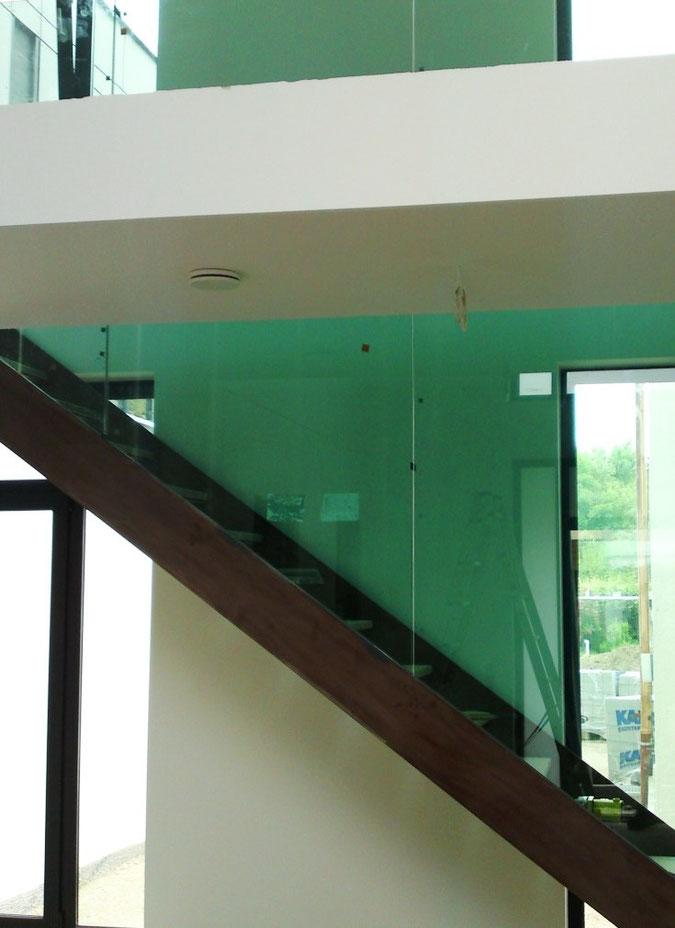 Glaserfachbetrieb | Glaserei Sichert > Sonderanfertigungen aus Glas nach Maß