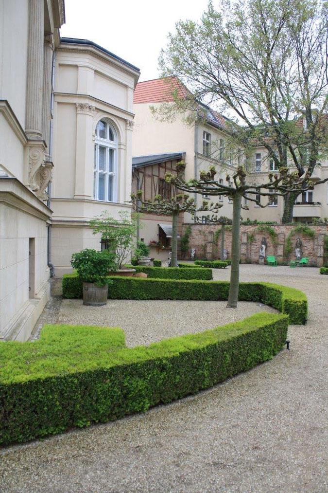 Innenhof Palais am Stadthaus Wunderkind Archiv Shop Hofcafe Potsdam