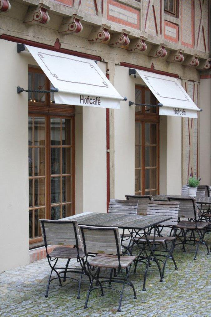 Außenbereich Innenhof Hofcafe Location Event Postdam Palais am Stadthaus Wunderkind Archiv Shop Hofcafe Potsdam