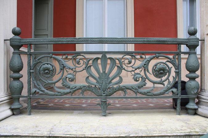 Eisengussgeländer Palais am Stadthaus
