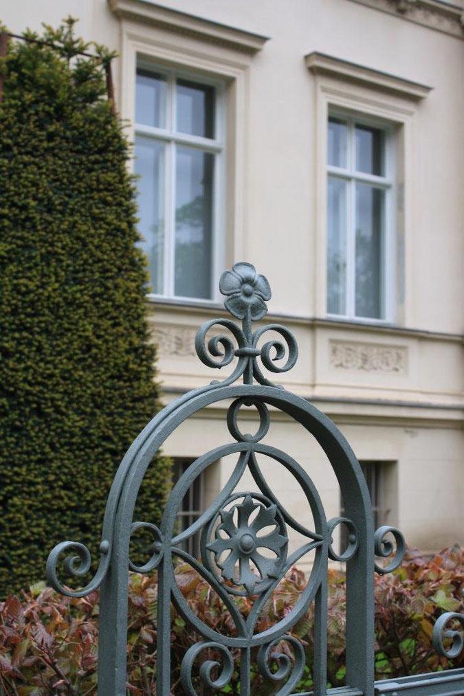 Zaun der Villa Bier Palais am Stadthaus