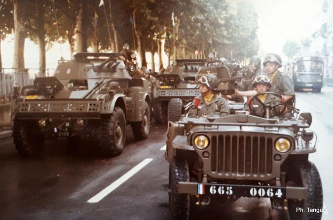 Mise en place de la section MILAN à coté des A.M.L. 60 du 4e régiment de chasseurs de La Valbonne (01) (Fonds Tanguy)