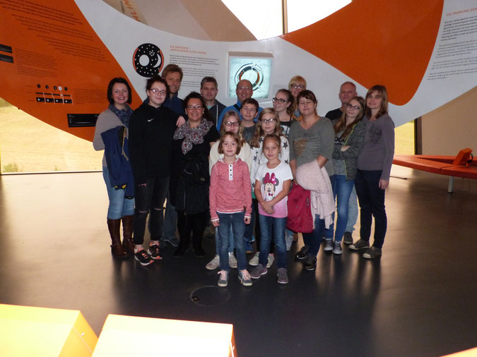 Rheumakids und ihre Eltern zu Besuch in der Arche Nebra.