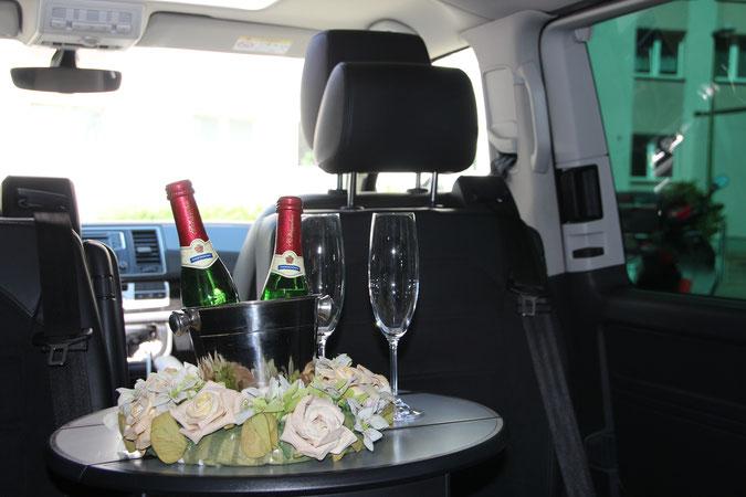 Bei Extratouren ein Hochzeitsauto mieten