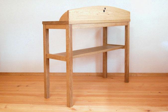 キッチンで使うシンプルな作業テーブル(横浜市・I様邸)背面