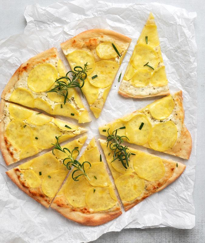 Kartoffelpizza, Kartoffel-Flammkuchen, vegetarisch, vegan möglich, mit Rosmarin, der Knaller!