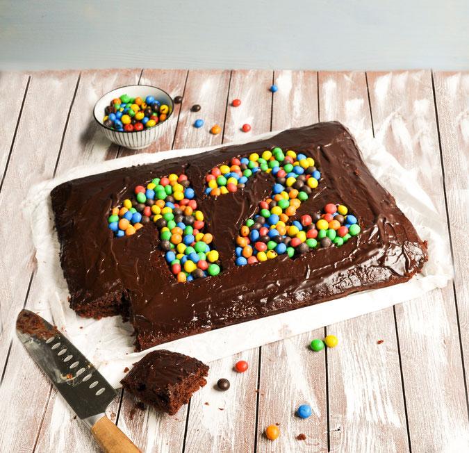 Geburtstagskuchen mit Zahl in der Mitte, vegan und glutenfrei möglich