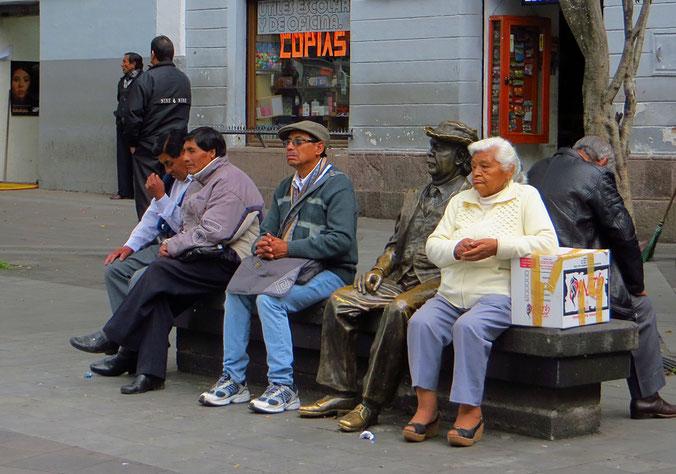 Manche Senioren sitzen schon seit Jahren auf der Bank.