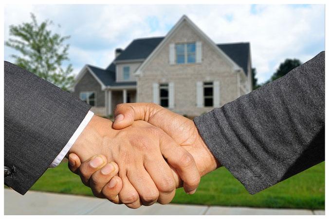 Eine Immobilie ist ein Zuhause.     Für uns ist ein Immobilienbesitzer mehr als nur ein Kunde.