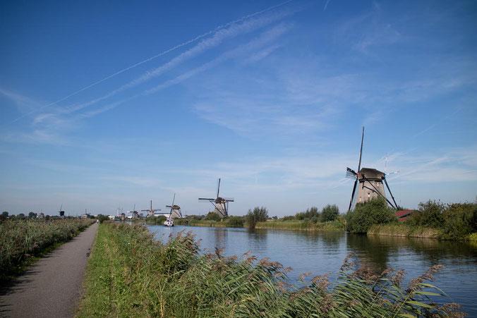 freaky finance, freaky travel, Rotterdam, Reisebericht, invest-abc, Die Windmühlen von Kinderdijk, Weg, Wasser