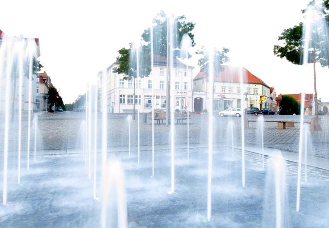 Marktplatz Neustrelitz Wasserspiele Springbrunnen