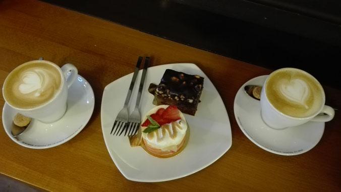 Cappuccino Törtchen Bermuda Café Freiburg