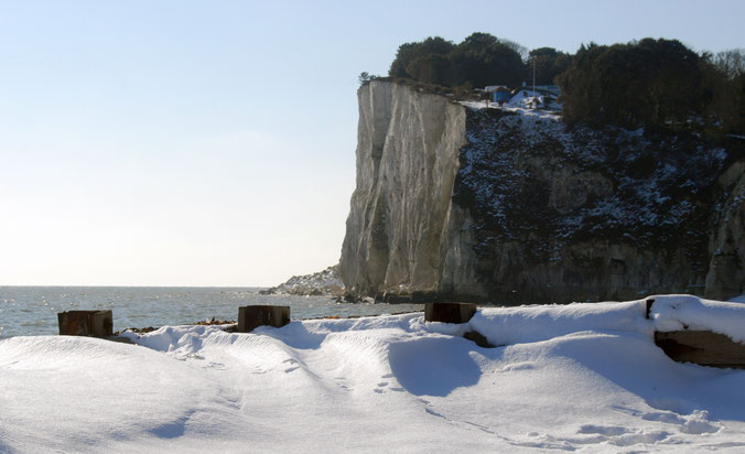 Cliff edge in the snow, St Margaret's Bay 2010