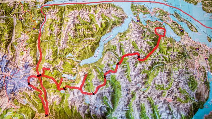 Die geplante Wanderroute im Nahuel Huapi Nationalpark: Colonia Suiza - Laguna Negra - Laguna CAB - Mallín del Mate Dulce - Laguna Cretón - Laguna Ilón - Refugio Agostino Rocca - Refugio Otto Meiling - Pampa Linda - Paso de las Nubes - Lago Frías