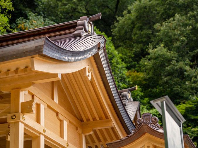 美しい屋根の反り