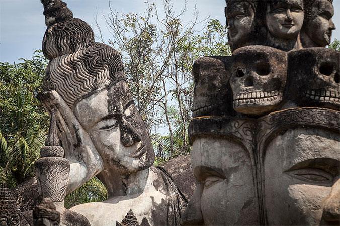 Extraño y curioso lugar el Buddha Park...