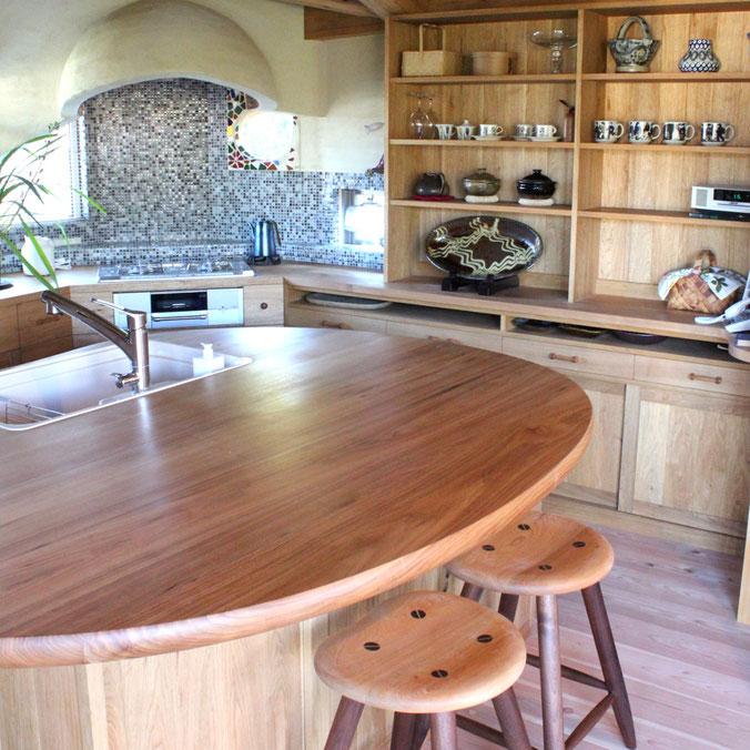クルミ無垢材のキッチン収納(川崎市・Y様邸)