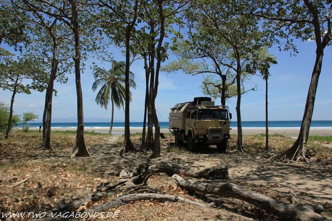 STELLPLATZ MIT BLICK AUF COSTA RICA