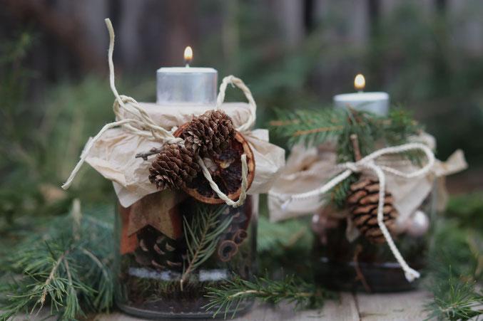 selbstgebastelte weihnachtliche Tischdeko