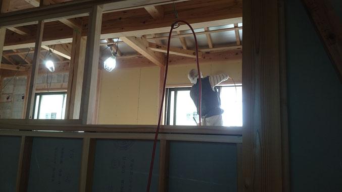 健康住宅 無垢材と漆喰仕上げ