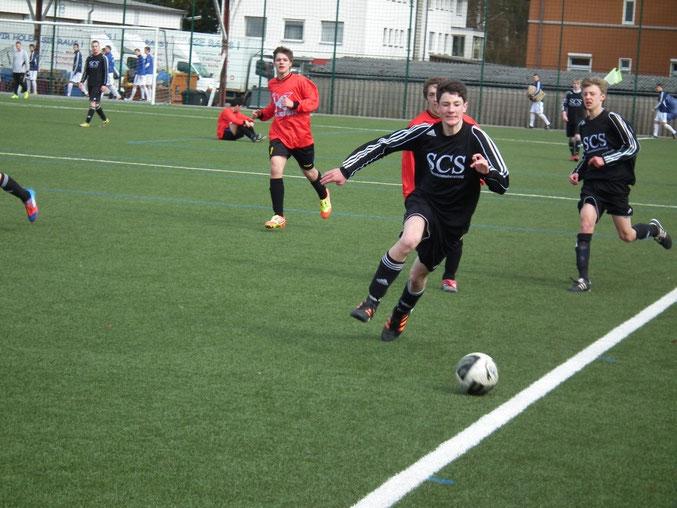 Lochte für die B- Jugend sein erstes Tor- C- Jugendspieler Julian Stanger