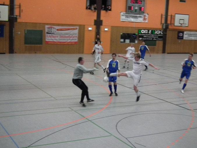 Für den FSV- Schröck am Ball- Leo Usbeck