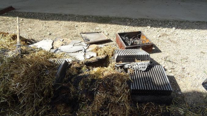 durch Brand zerstörte Wechselrichter