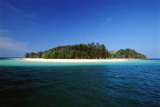 Entdecken Sie die Inseln von Thailand mit Inselhopping in der Andaman See.