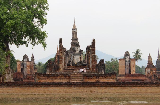 Sie besuchendie ehemalige Königsstadt Sukhothai auf Ihrer Reise durch Nordthailand.