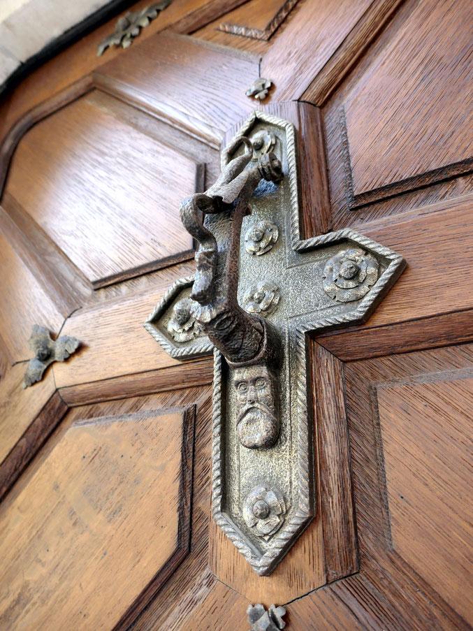 Heurtoir sur la porte d'entrée