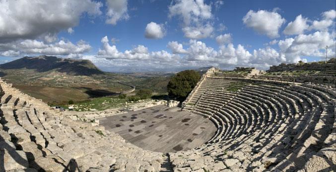 Italien, Sizilien, Sehenswürdigkeit, Segesta, griechisches Amphitheater, Ausgrabungsstätte, historische Stätte