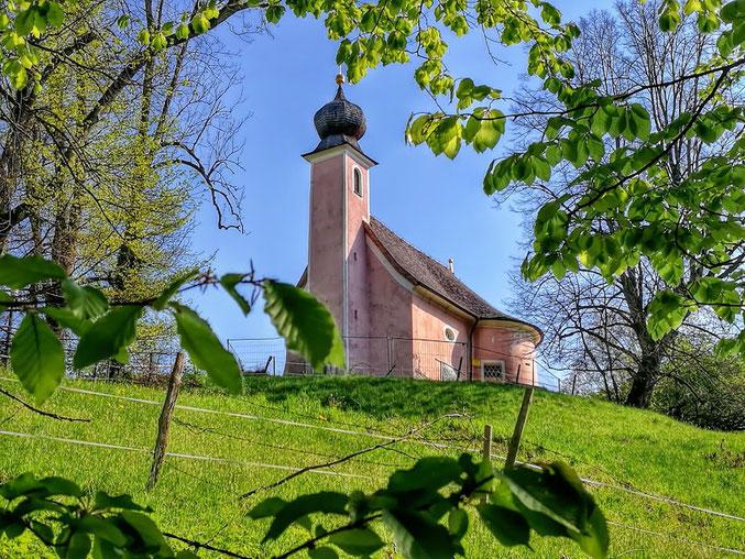 Blick auf die Sparzer Kapelle