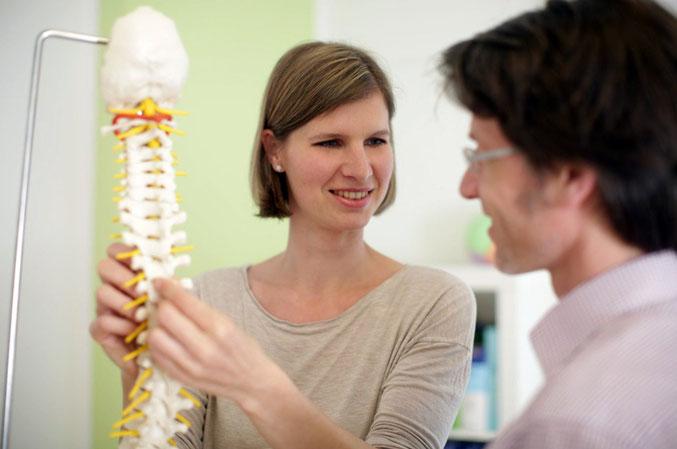 Frau Burkart nutzt bei Kindern integrativ-osteopathische Diagnostik und Therapie
