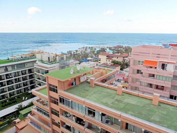 Meerblick über die Dächer von Puerto de la Cruz