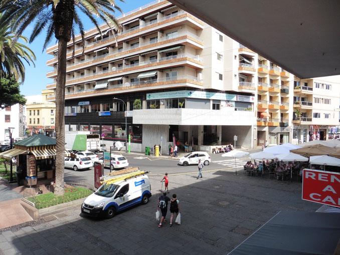 Sicht auf den Taxistand im Zentrum