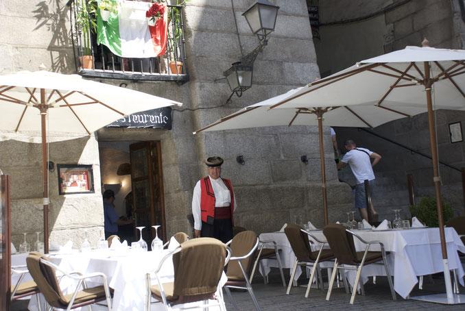 Luis Candelas en el Restaurante con su nombre, al lado del Arco de Cuchilleros
