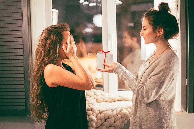 Gutschein für eine Stilberatung mit Kleiderschrank Check oder Stilberatung mit Personal Shopping. Geschenke die glücklich machen.