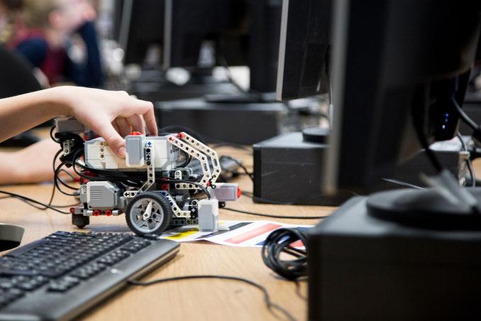 Robotik-Stunde. Foto: Forum Bildung Digitalisierung.