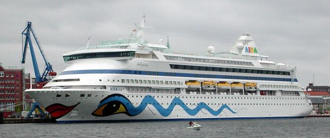 AIDAvita im Hafen von Kiel