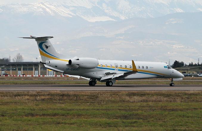 UP-EM007 ERJ135BJ 14501146 Comlux KZ @ Aeroporto di Verona 07.01.2018  © Piti Spotter Club Verona