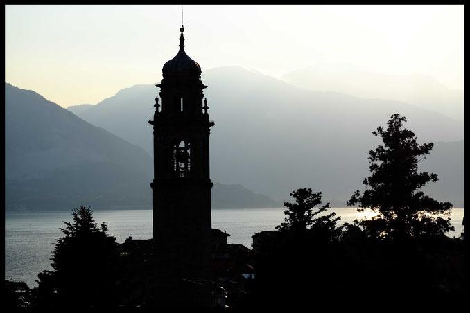 photographie, Italie, lac Majeur, Verbania, lac, église, campanile, contrejour, montagnes, bleu, noir, été, Mathieu Guillochon, ciel, crépuscule, ombre chinois, vacances