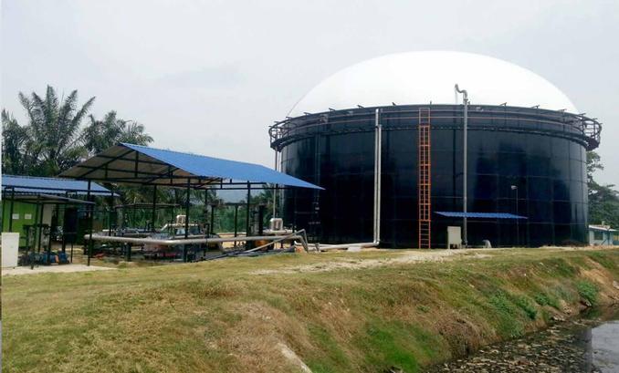 Biodigestor construido con tanques de acero vidriado