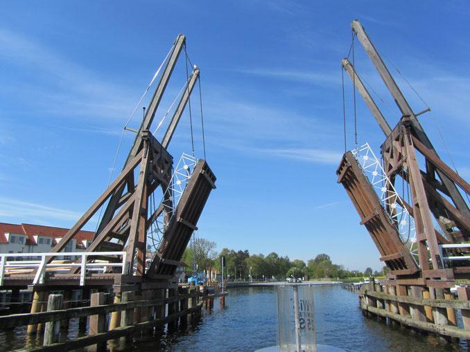 Klappbrücke Wieck bei Greifswald Öffnungszeiten