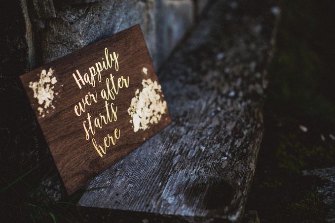 Rustikale  Hochzeit in kräftigen Tönen