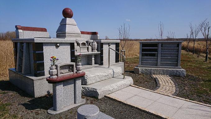 石狩はまなす墓苑の永代合祀墓「やすらぎ」