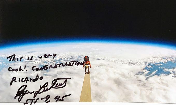 Autograph Byron Lichtenberg Autogramm