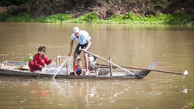Toda la familia se involucra en las tareas de la pesca