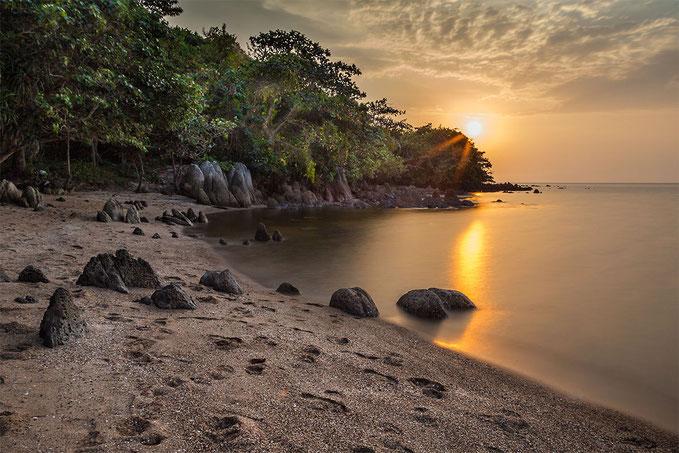 Puesta de sol desde la playa oeste.